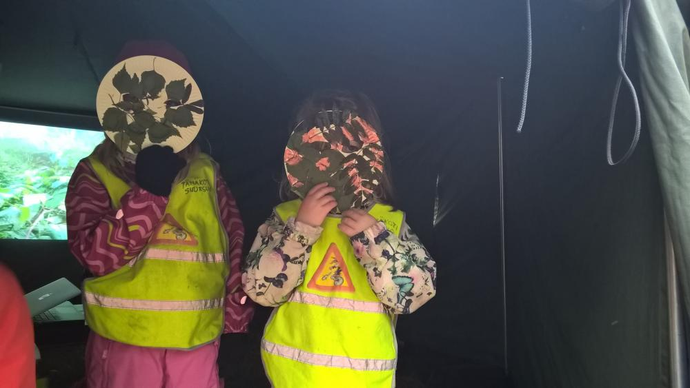 Martial Law at Patterimäki park, children with masks