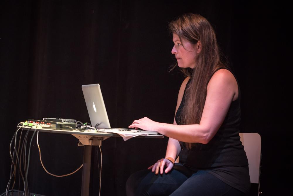 Sounds and Stories Live Performance with Jobina Tinnemans mixing